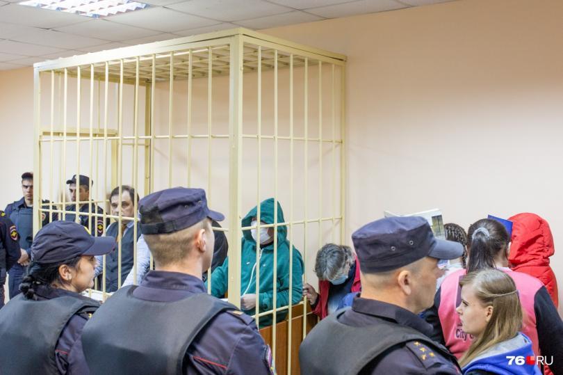 Банда педофилов: ярославским насильникам вынесли приговор всуде