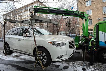 На севере Москвы приезжие с Кавказа избили эвакуаторщика
