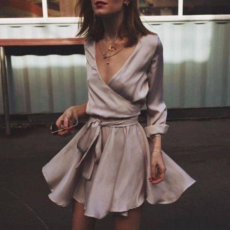 Лёгкие, изящные шёлковые платья сезона 2018 года: 10 прекрасных образов!