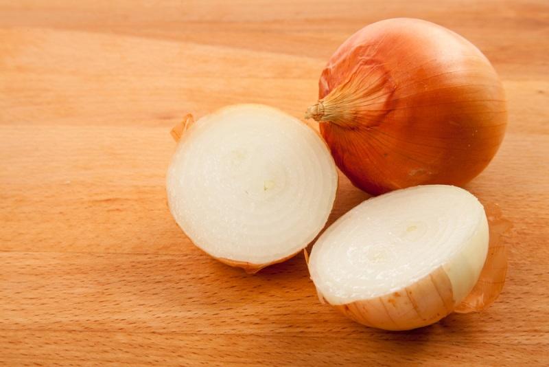 Рецепт консервированных помидоров с луком