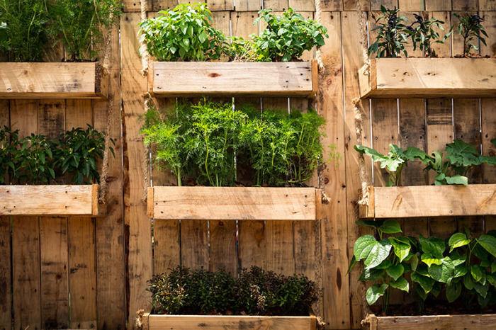 13 полезных хитростей по обустройству огородов и грядок, когда места маловато
