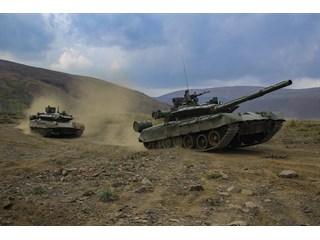 Должны ли танкисты командовать флотом и авиацией