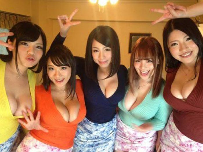 group-butt-cleavage