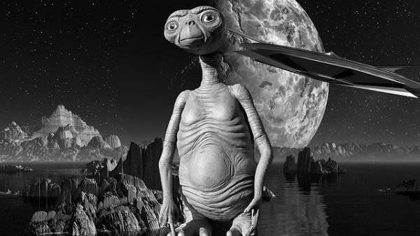 Разумных пришельцев не существует, — ученый