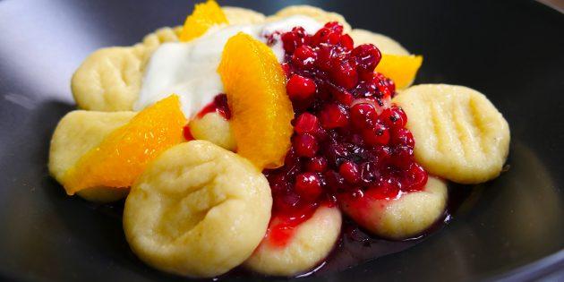 Ленивые вареники с фруктами: простой рецепт