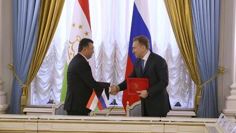 Таджикистан предложил пересмотреть статус своих мигрантов вРоссии
