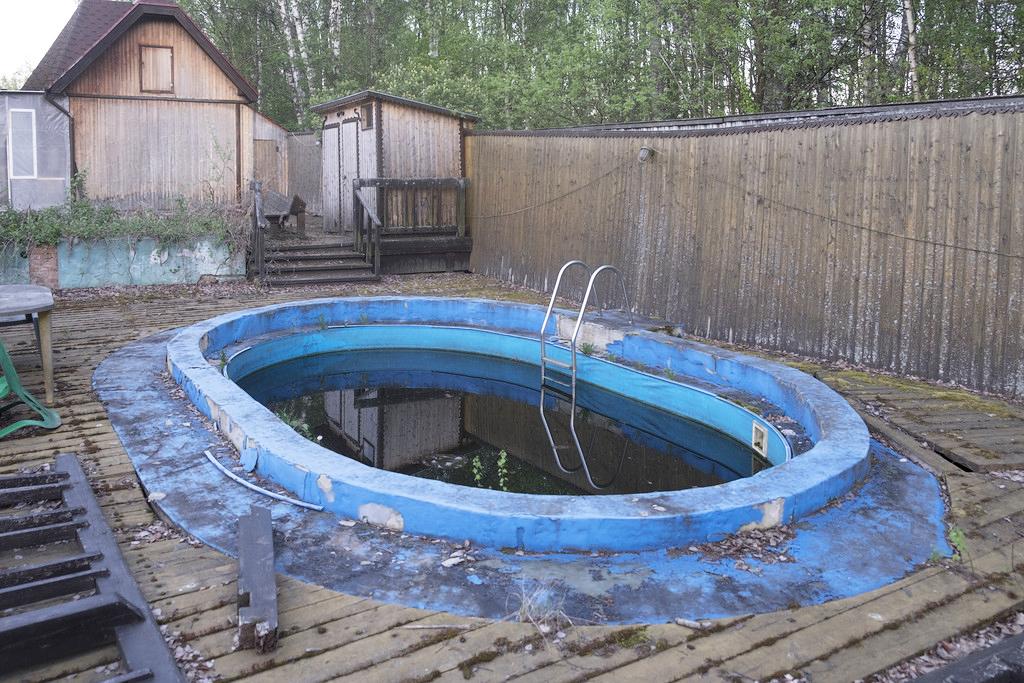 Во что превратился дачный бассейн советы