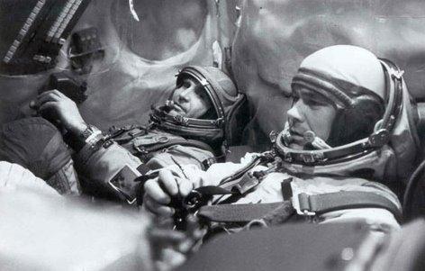 Рогозин предложил испытывать систему аварийного спасения космонавтов на ее разработчиках