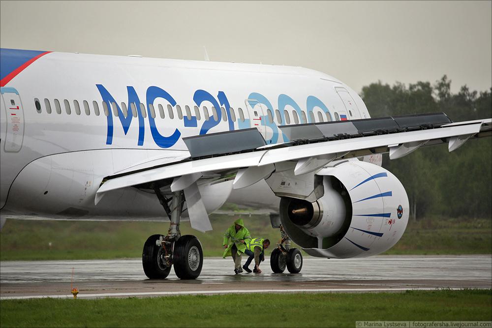 Дмитрий Рогозин: «У отечественного авиастроения огромное будущее»