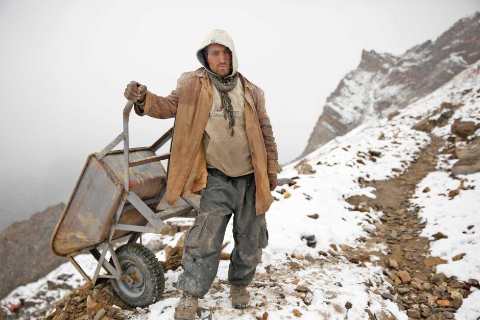 От вулкана до смертоносной шахты: как люди работают за https://mtdata.ru/u15/photo3B32/20743590313-0/original.jpg интересное
