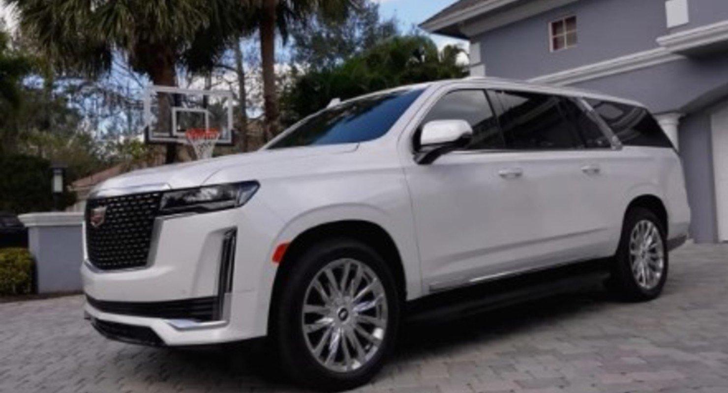 Автоблогер поделился впечатлениями о новом Cadillac Escalade 2021 года Автомобили