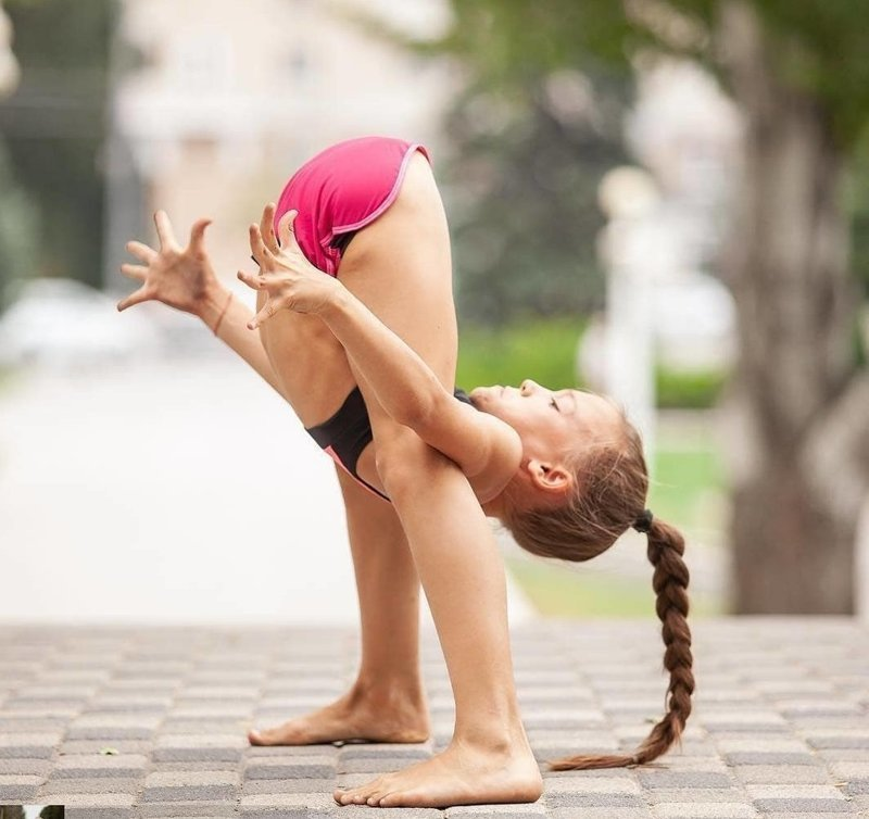 Занятия спортом с самого детства - вот их главный секрет успеха! девушки, йога, растяжка, спорт, тренеровка, шпагат