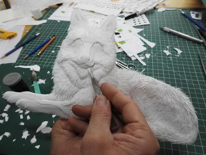 Удивительные объемные скульптуры из бумаги от канадского художника