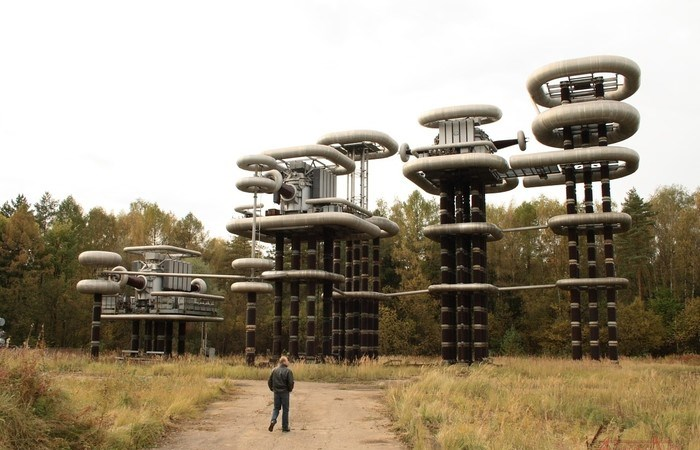 Загадочные башни Тесла, которые спрятаны в лесных дебрях Московской области