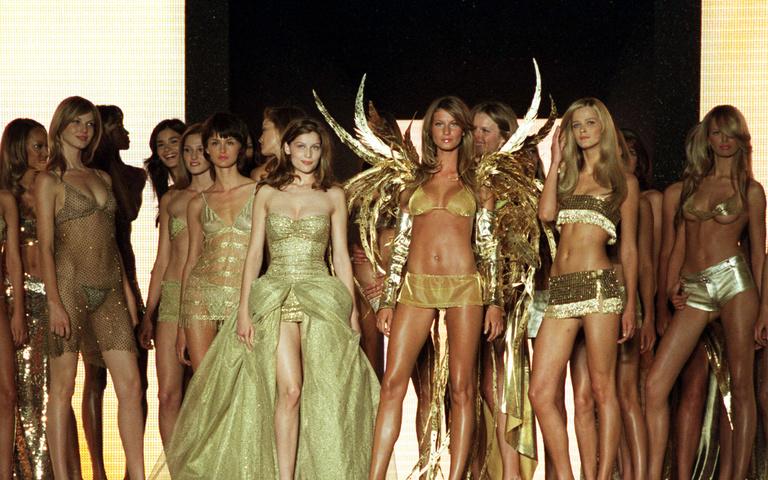 Как менялся бренд Victoria's Secret и его модели