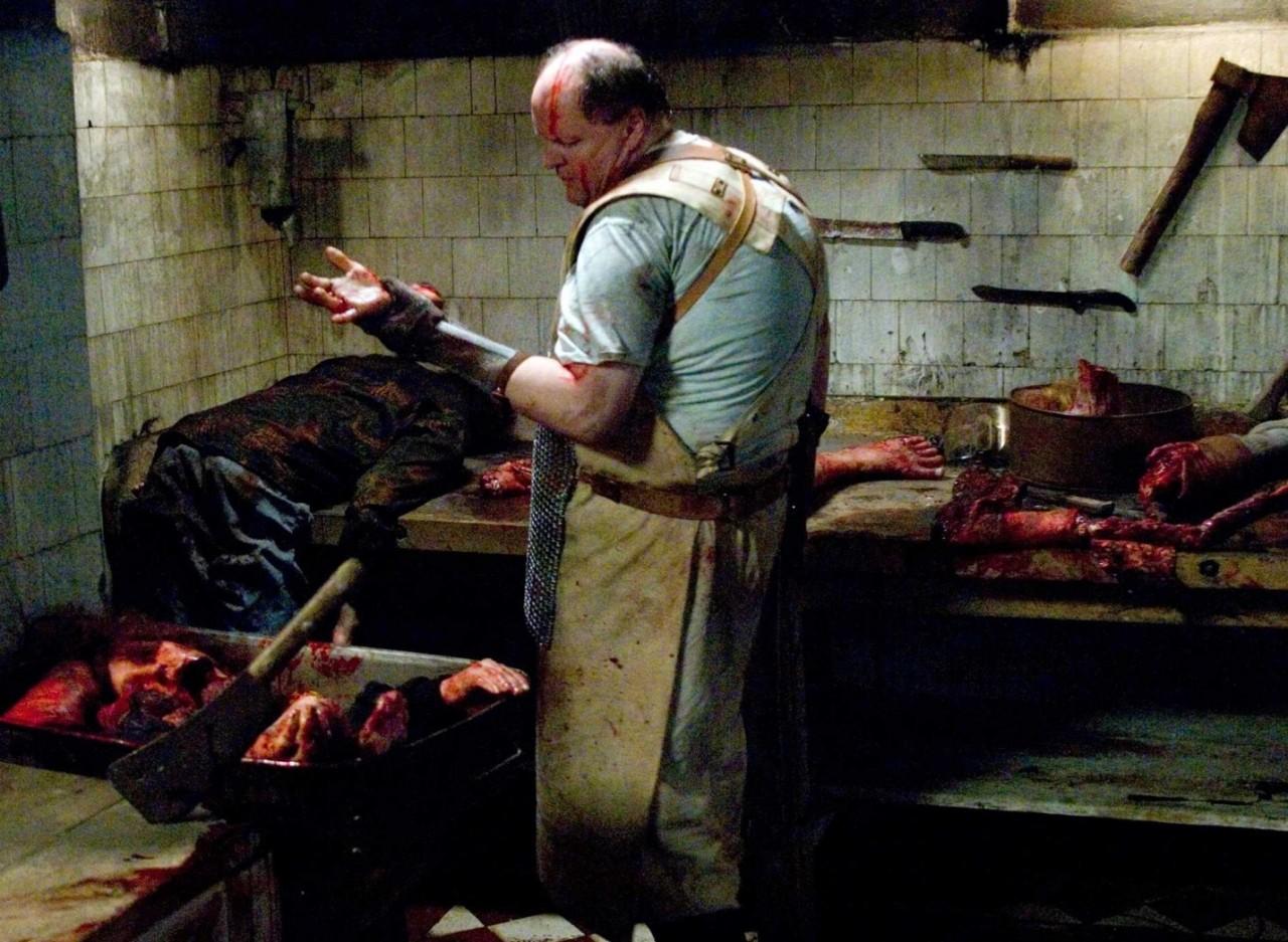 Свежее мясо, обнаженная кожа и голубые экраны или пятерка откровенно слабеньких фильмов, которые мы любим отнюдь не за глубокий сюжет