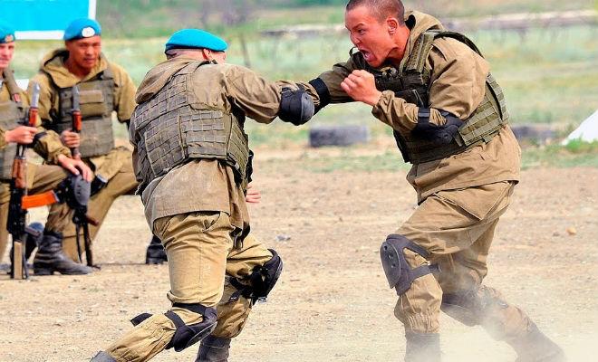 Русский спецназовец вышел на ринг против огромного американского бойца