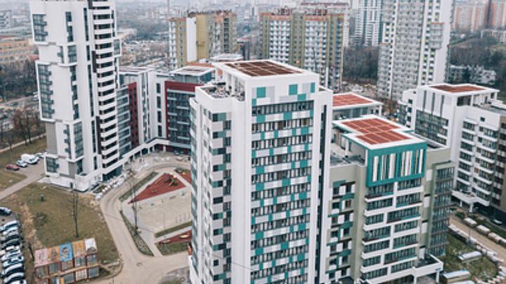 Из-за ошибки чиновников мошенники через госуслуги отбирали квартиры. Как решили проблему?
