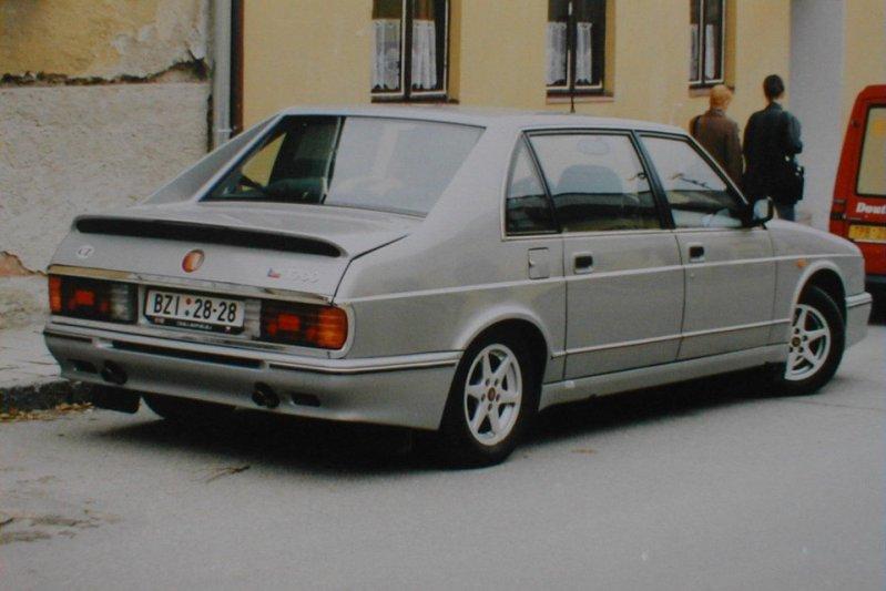 В 1999 году из-за низкого спроса автомобиль сняли с производства. 700-ка не только стала последним заднемоторным седаном компании, но и последним легковым автомобилем Tatra – фирма сосредоточилась на строительной технике. заднемоторная компоновка, седан