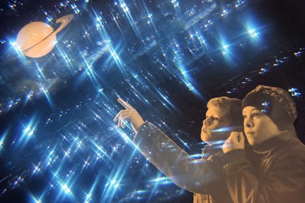 Российский пенсионер в одиночку построил планетарий и стал легендой