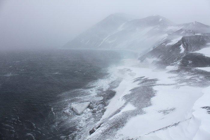 Ветер в Антарктиде достигает скорости 320 км/ч Антарктика, антарктида, интересно, ледяной континент, познавательно, секреты Антарктики, удивительно, факты