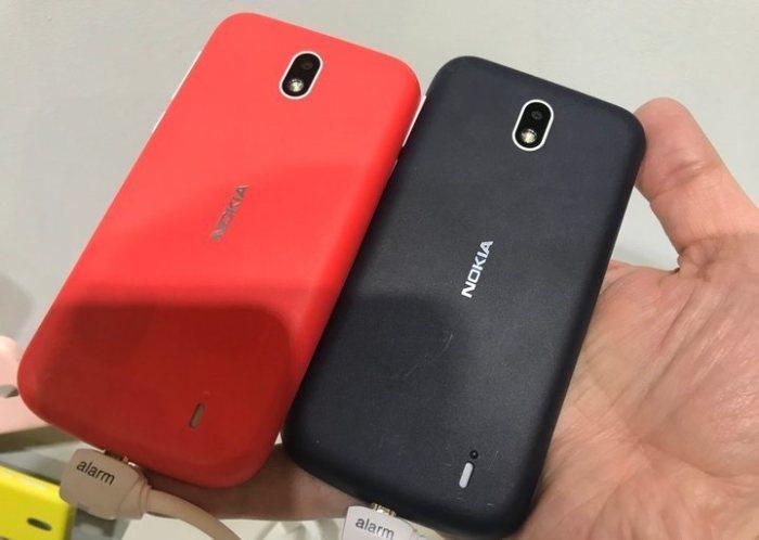 Nokia 1 - дешево и ну очень сердито.
