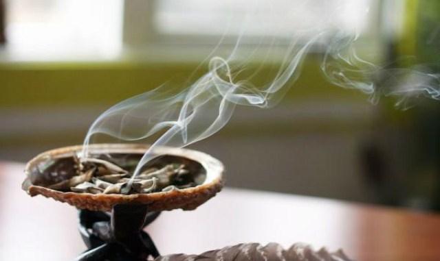 7 проверенных древних методов для избавления от негативной энергии в доме