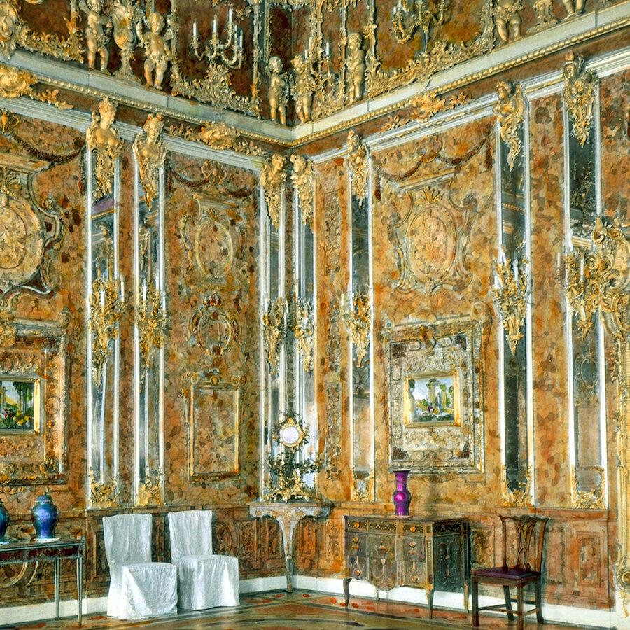 Воссозданная Янтарная комната в Екатерининском дворце. Фото Брэнсон Дэку / Викимедия