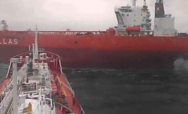 Упрямые капитаны идут на принцип: глупые тараны боевых кораблей