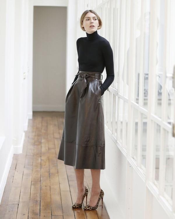 с чем носить кожаную юбку зимой 2018