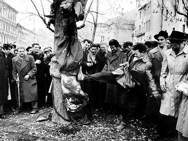 Коммунистов Венгрии в 1956 году вешали за ноги