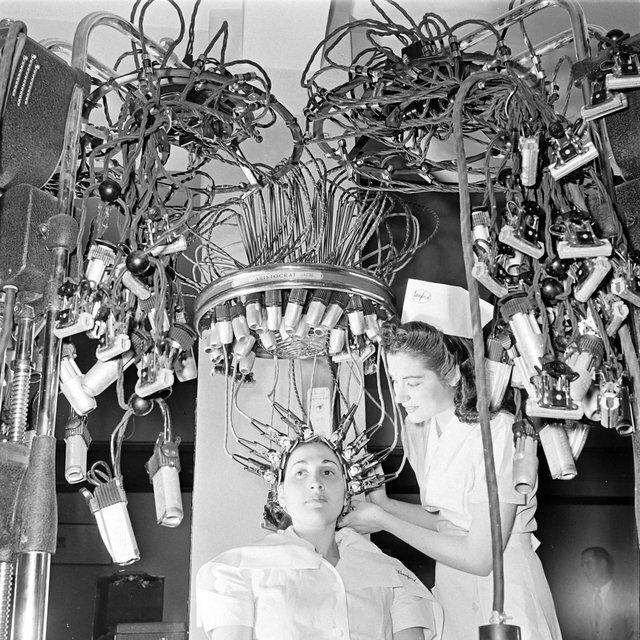2. Бигуди в школе красоты (1940) жизнь, исторические фото, история, прошлое, фото