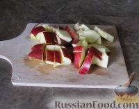 Фото приготовления рецепта: Зимний смузи из яблока, банана и киви - шаг №3