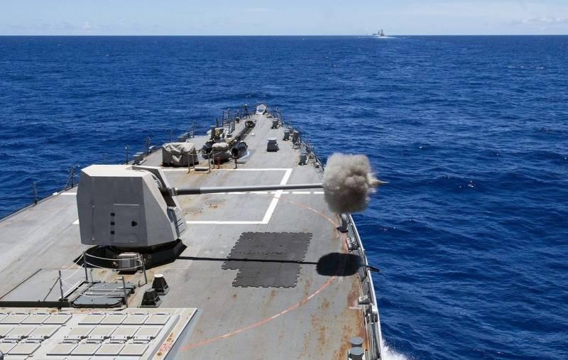 Российские военные призывают встретить американские корабли в Черном море во всеоружии