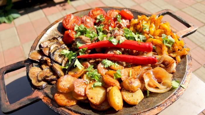Садж из баранины с овощами. Готовлю на сибирском садже