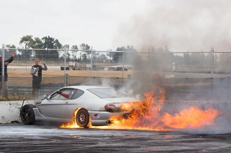 Парень из Новой Зеландии из Ferrari сделал гоночный корч с роторно-поршневым двигателем