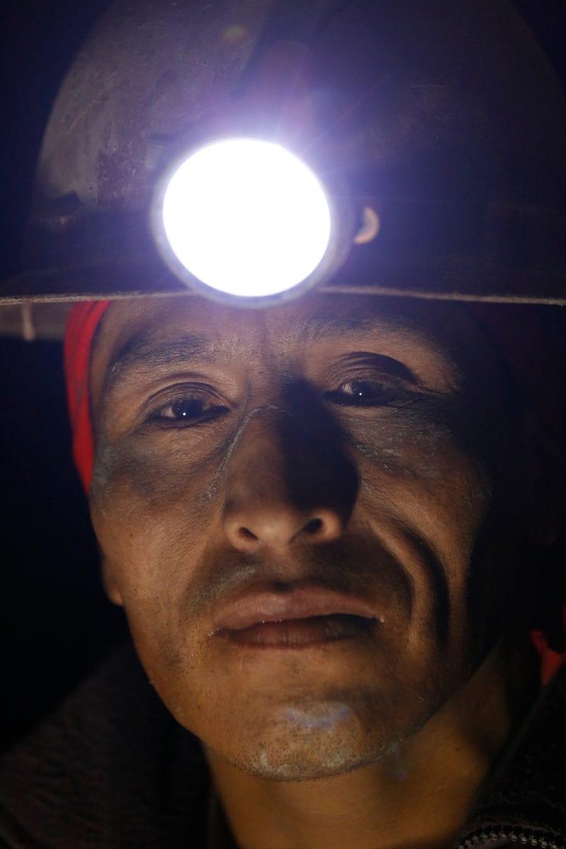 От вулкана до смертоносной шахты: как люди работают за https://mtdata.ru/u15/photo5D1A/20397497578-0/original.jpg интересное