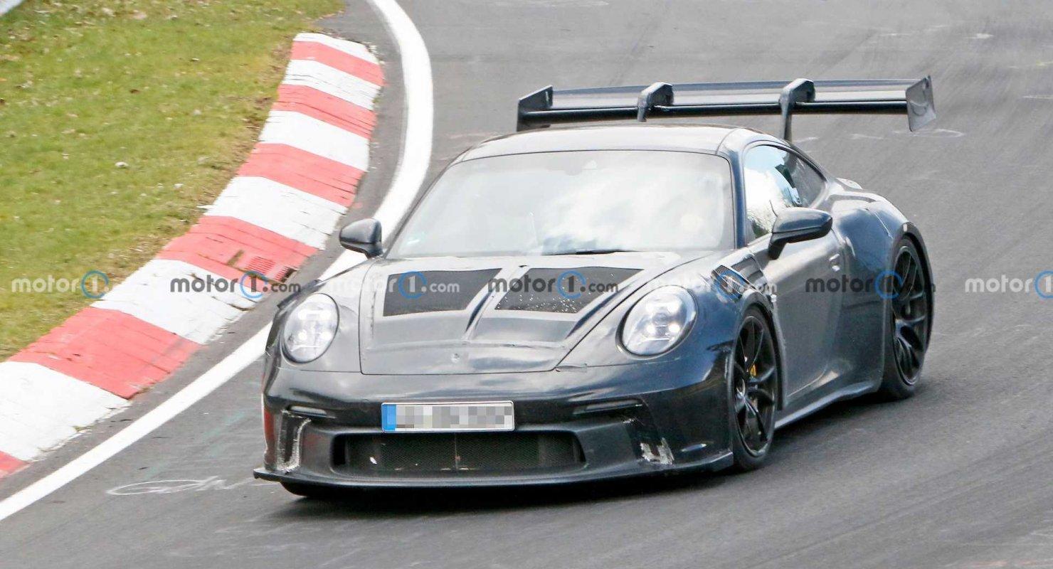Новый Porsche 911 GT3 RS продемонстрировал свое гигантское крыло на Нюрбургринге Автомобили