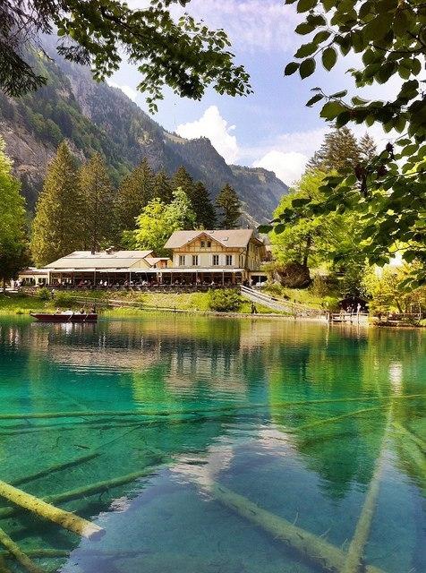 Восхитительное озеро Блау, Швейцария