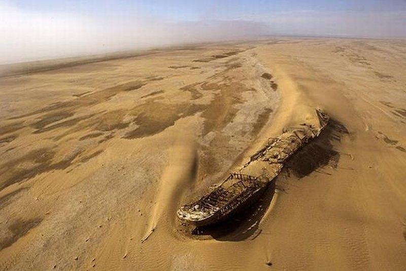 Эдуард Болен был кораблем, который сел на мель у берегов Намибийского побережья Скелета в 1909 году выброшенные, жизнь, катастрофа, корабли, красота, невероятное