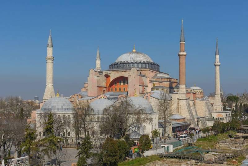 СМИ: Россия построит копию собора Святой Софии в Сирии