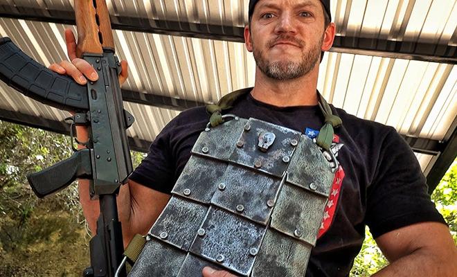 Самый прочный бронежилет в мире может остановить пули из Калашникова. Проверка прочности на видео