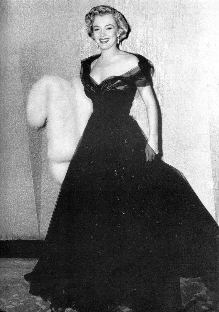 От Мэрилин Монро до Анджелины Джоли: 10 самых красивых платьев звезд за всю историю «Оскара» иконы стиля,косметика,мода,мода и красота,Оскар