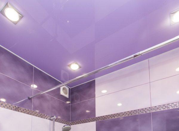 Какой лучше сделать потолок в ванной комнате