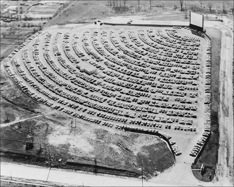 Автомобильный кинотеатр, США 1950-е годы. история, классика, фото