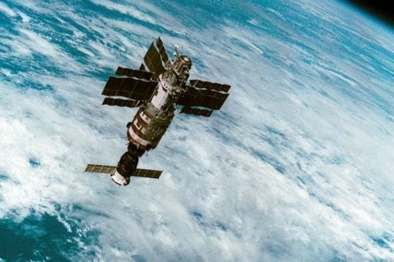 Спасти «Салют-7». Подлинная история подвига советских космонавтов