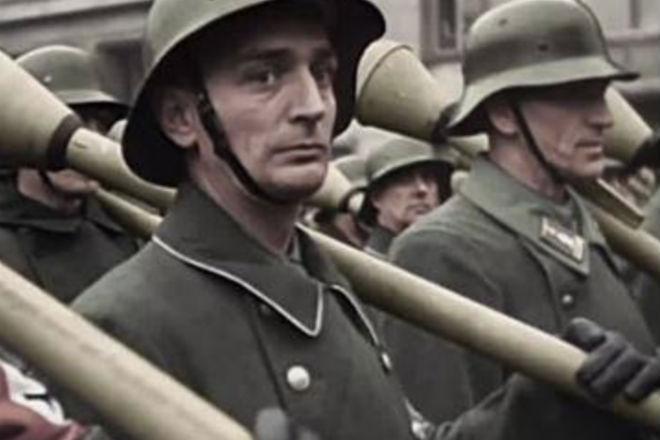 Из архивов рейха 1945-го года: последние резервы отправляются на фронт