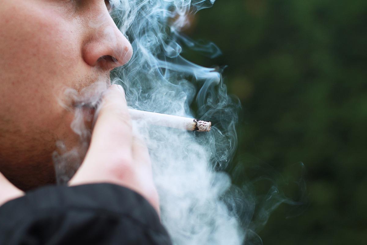 Защитит ли курение от COVID-19: ответ на этот вопрос неоднозначен
