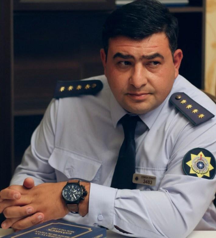 Работник таможни в Азербайджане спас ребенка от педофила
