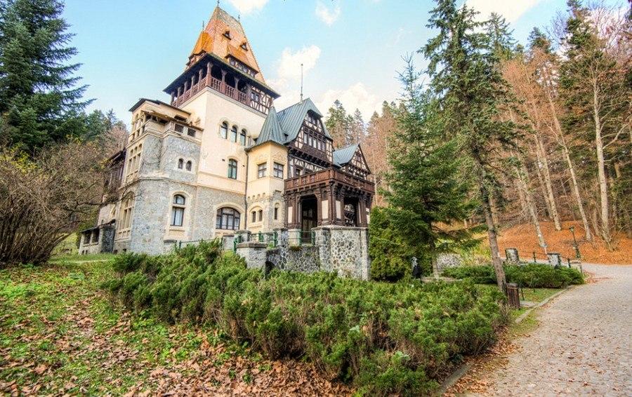 Замок Пелишор: одно из красивейших архитектурных сооружений Румынии